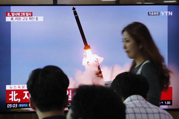 Severná Kórea odpálila ďalšie rakety.