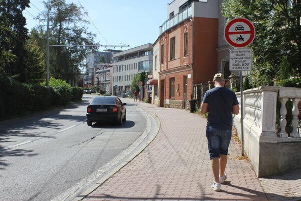 Má sa vrátiť doprava na Kuzmányho ulicu? V žilinskom zastupiteľstve otvoria debatu na túto tému.