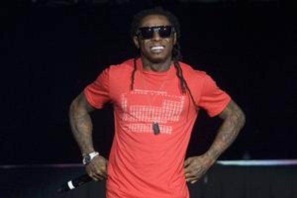 Raper Lil Wayne vystupuje v Toronte počas svojho turné k albumu Tha Carter III. Hneď prvý singel z tohto albumu Lollipop lámal na webe rekordy.