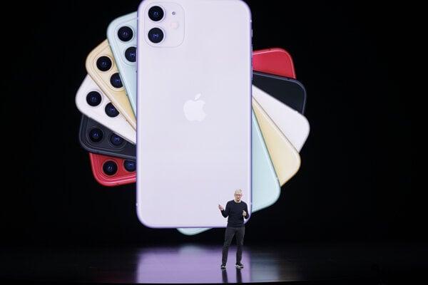 Tim Cook, šéf Apple, predstavil nový iPhone 11.