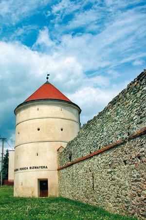 hradby_modra_res.jpg