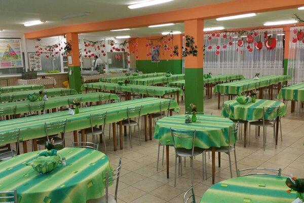 jedáleň Základnej školy na Vajanského ulici v Lučenci.
