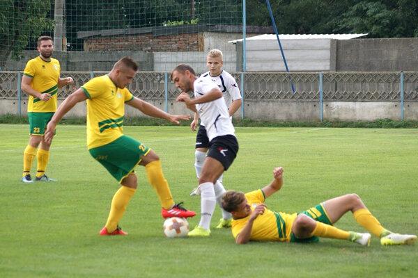 Futbalistov Levíc vprípade postupu čaká tím znajvyššej súťaže ViOn Zlaté Moravce.