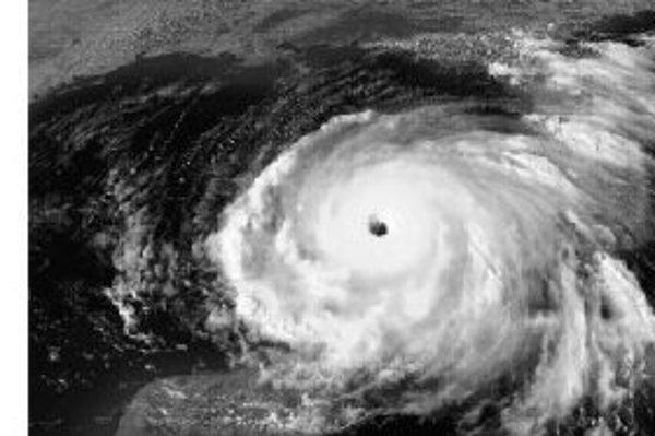 Oko hurikánu Rita v Mexickom zálive. Hurikán vyhnal z domovov v Texase a Louisiane 1,3 milióna ľudí.