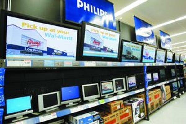 Po vstupe Dellu do americkej siete supermarketov Wal–Mart ponúka obchod aj produkty iných počítačových firiem. Dell vo Wal–Marte exkluzivitu nemá.