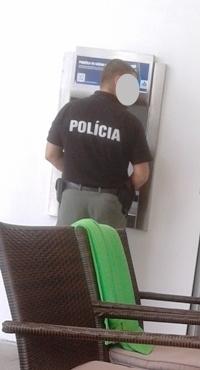 police04.jpg