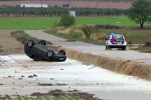 Búrka Gloria si v Španielsku vyžiadala 11 obetí