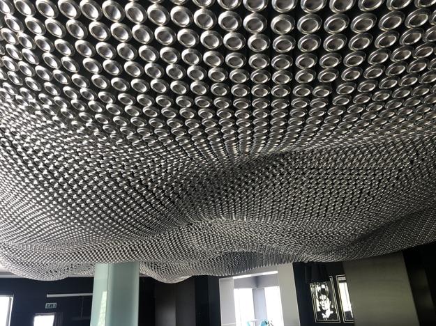 V Bare nájdete unikátny strop.
