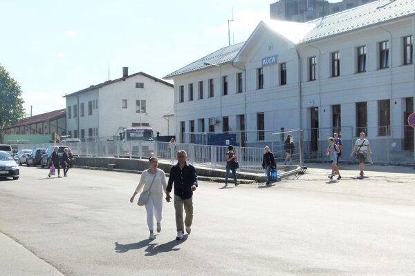 Pri zmenách v okolí stanice sa bude pamätať aj na bezpečnosť chodcov.