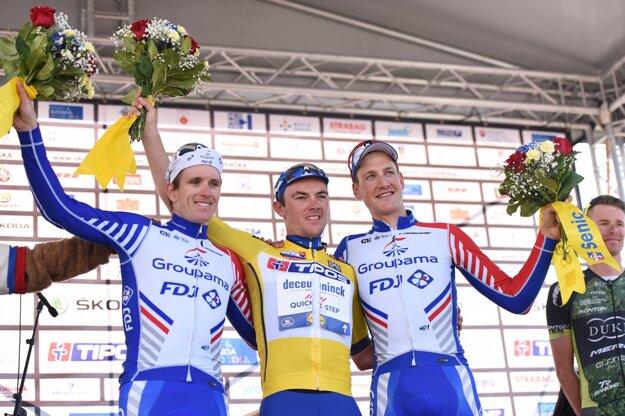 Zľava Arnaud Démare, Yves Lampaert a Stefan Küng.