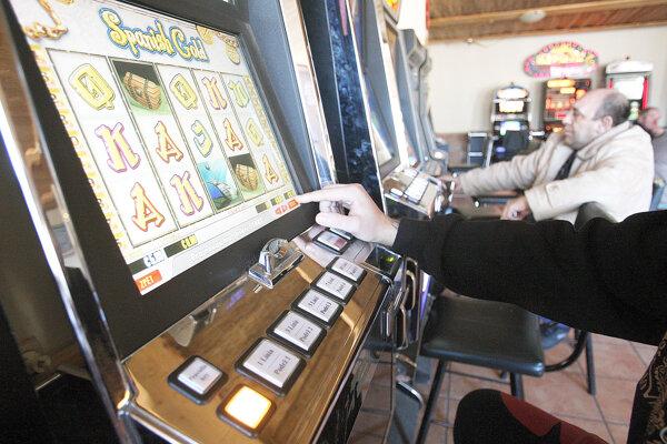 Hazard stojí ľudí veľmi veľa.