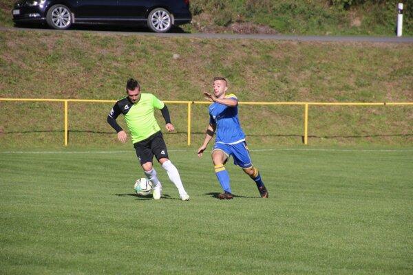 Foto zo zápasu Horná Poruba (v zelenom) - Kanianka.
