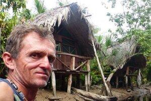 Peter Becko Ondrejovič, legenda slovenského expedičného cestovania a významný horolezec, príde porozprávať o živote posledných prírodných indiánov na tejto planéte. Vznikol o tom aj film.