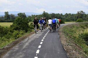 Niektoré úseky Vážskej cyklomagistrály sú už dobudované.