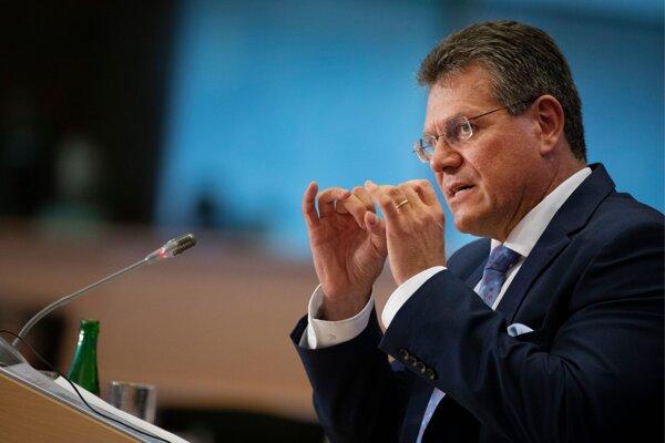 Šefčovič predstúpil pred poslancov Európskeho parlamentu.
