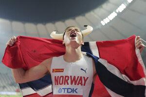 Karsten Warholm po triumfe v behu na 400 m cez prekážky na MS v Dauhe 2019.