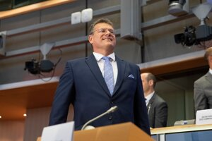 Maroš Šefčovič počas vypočúvania v Európskom parlamente.