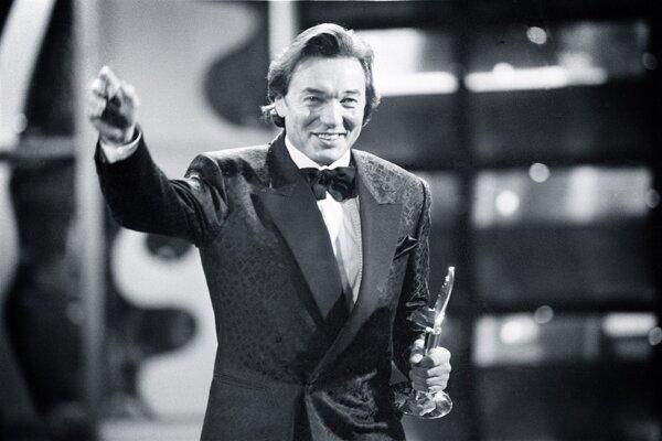 Karel Gott na odovzdávaní cien TýTý v roku 1995.