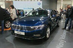 Hviezdou stánku Volkswagenu je modernizovaný Passat.