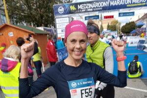 Nórska bežkyňa si atmosféru košického maratónu užívala.