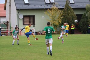 Zo zápasu V. Kosihy - Okoličná 0:4.