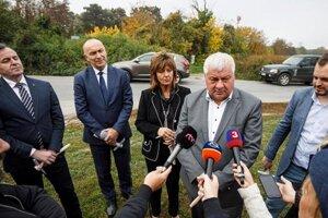 Minister dopravy Arpád Érsek odštartoval výstavbu parkoviska