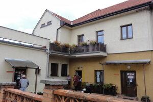 Súčasné sídlo domova dôchodcov v Krupine.