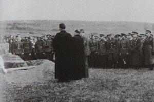 Pietny akt pochovania padlých ruských letcov