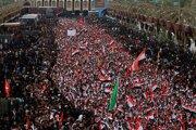 Tisíce Iračanov, ktorí sa zišli na šiitskej púti v posvätnom meste Karbalá.