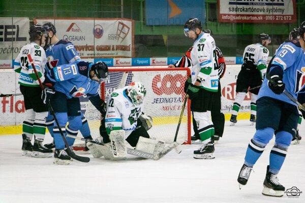 Novozámocký brankár Kristín sa na nedostatok práce v zápase proti Slovanu sťažovať nemohol.