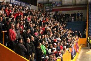 Hokejisti Zvolena sa ospravedlňujú fanúšikom HKM.
