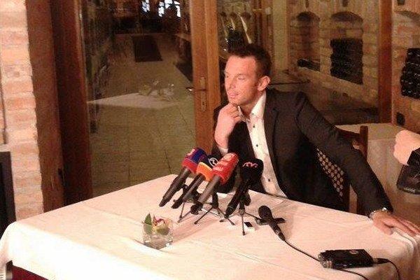 Richard Lintner oznámil, že s aktívnou hokejovou kariérou končí.
