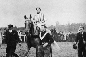 Lata Brandisová (1895 –1981), prvá a doposiaľ jediná žena, ktorá zvíťazila vo Veľkej pardubickej steeplechase. Pochádzala zo šľachtickej rodiny a jazdectvu sa venovala od detstva. V roku 1927 sa napriek protestom mužov po prvý raz prihlásila na dostih Veľkej pardubickej. V roku 1937 vyhrala 1. cenu. Kvôli zoštátneniu majetku po roku 1948 prežila zvyšok života v biede.