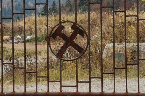 Banské kladivko, symbol baníctva.