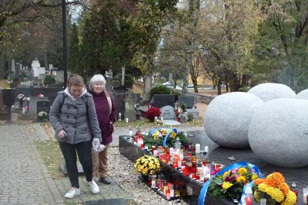 Pamätník olympionikov na Národnom cintoríne v Martine.