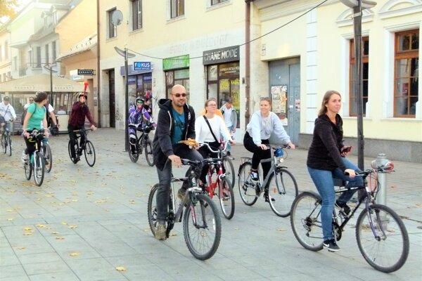 Cyklisti budú môcť naďalej prechádzať aj pešou zónou.