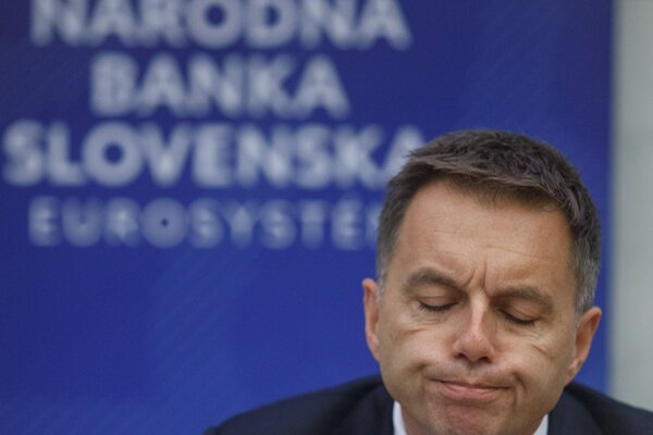 Guvernér NBS Peter Kažimír.