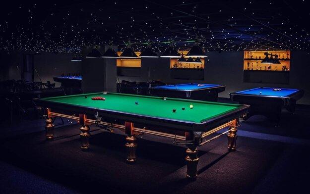 V topoľčianskom klube sa nachádza aj jedinečný snooker, stôl, na ktorom sa hrajú majstrovstvá sveta.