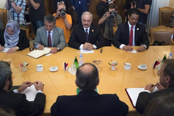 Líbyjský generál Haftar na rokovaní v Moskve.