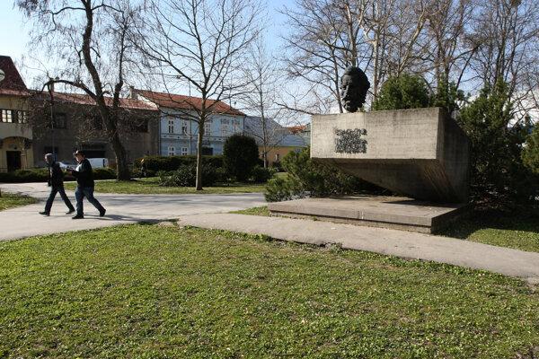 Busta Ľudovíta Štúra, po ktorom je park pomenovaný.