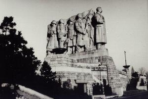 Stalinov pomník v Prahe na Letnej (1955 – 1962).
