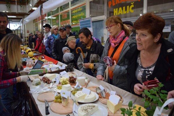 Regionálne trhy v Mestskej tržnici možno začali novú tradíciu.