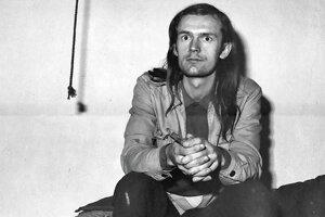 Strýko sa pred 30 rokmi naplno ponoril do víru Nežnej revolúcie. Z filozofa a básnika sa stal politik.