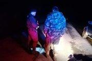 Policajti chytili opitého rybára.