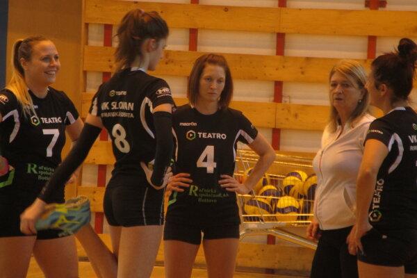 Slovanistky natiahli víťaznú sériu.