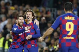 Lionel Messi, Antoine Griezmann a Luis Suarez v zápase proti Dortmundu.