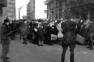 Nyilašovci počas deportácií.