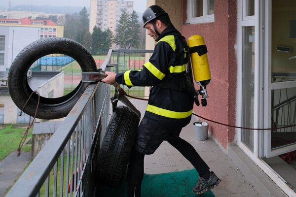 O Železného hasiča vo Zvolene.
