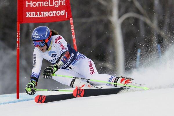 Petra Vlhová na trati prvého kola obrovského slalomu v Killingtone.