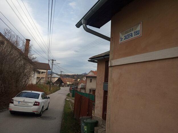 Ulica vo Varíne.